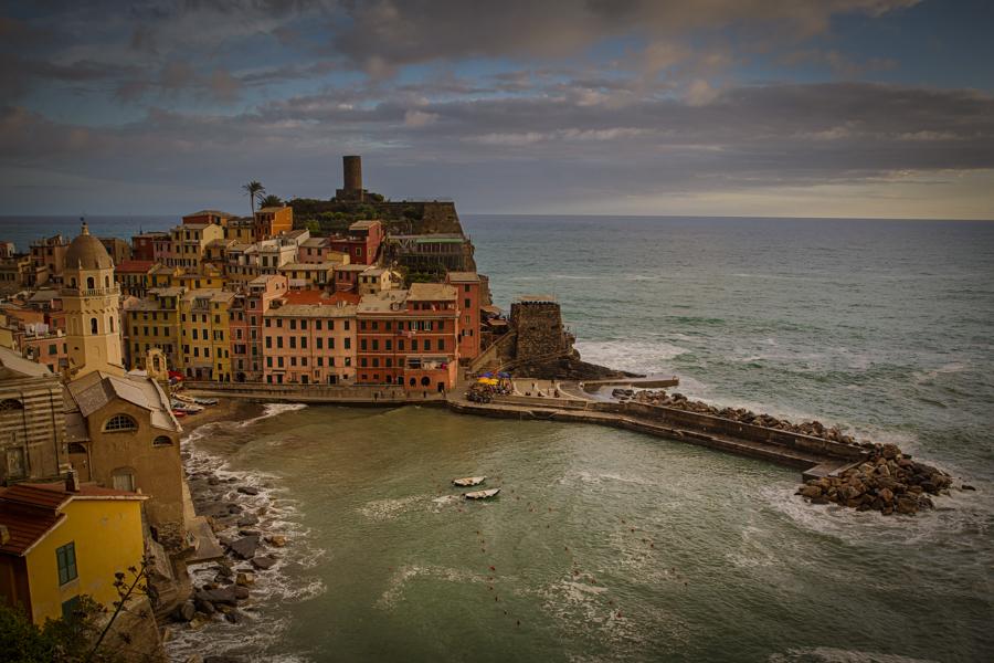 Afternoon in the Vernazza village in Cinque Terre. Photo: John Einar Sandvand
