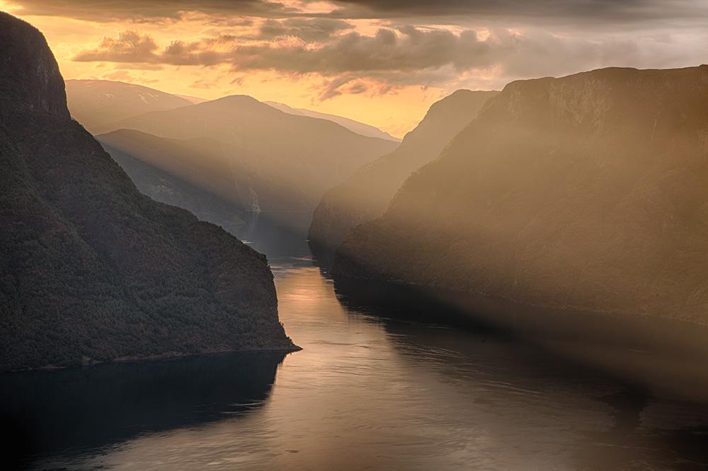 Sunday Picspiration: Sunset over the Sogne Fjord (Sognefjorden) in Norway. Photo: John Einar Sandvand