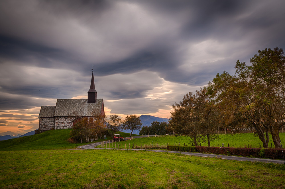 The old church at Edøy. Photo: John Einar Sandvand