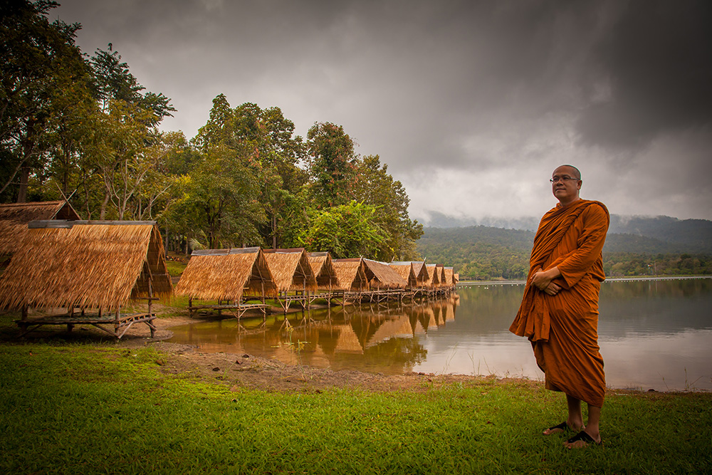 A monk staying by the lake in the outskirts of Chiang Mai. Photo: John Einar Sandvand
