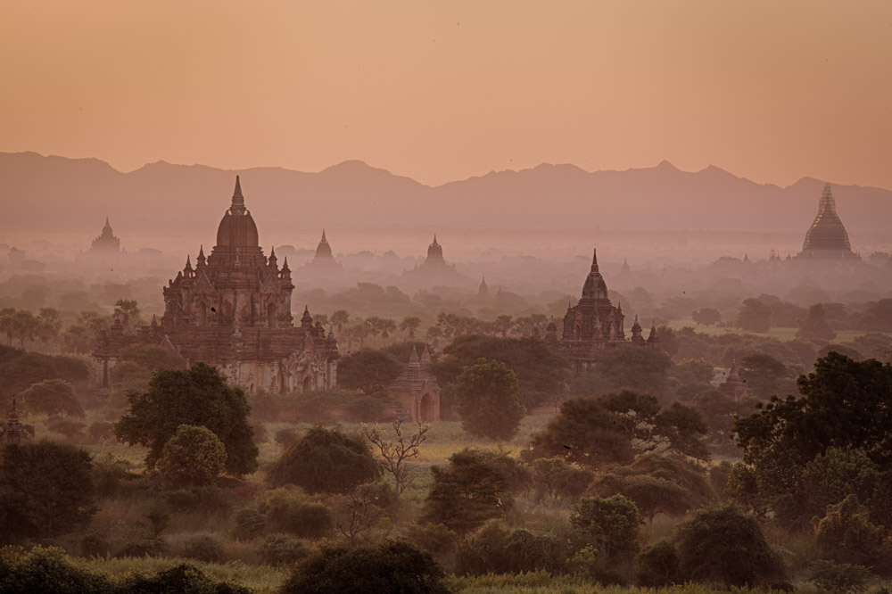 Morning fist in Bagan. Photo: John Einar Sandvand