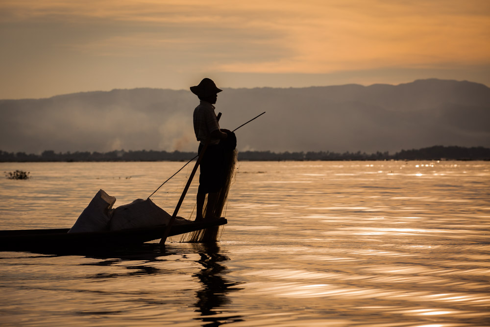 A fisher man at Inle Lake considers his next move. Photo: John Einar Sandvand