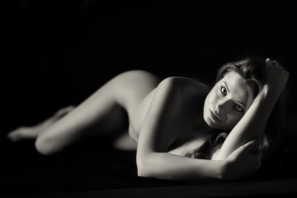 Artistic nude photography with model Magda in Krakow. Photo: John Einar Sandvand