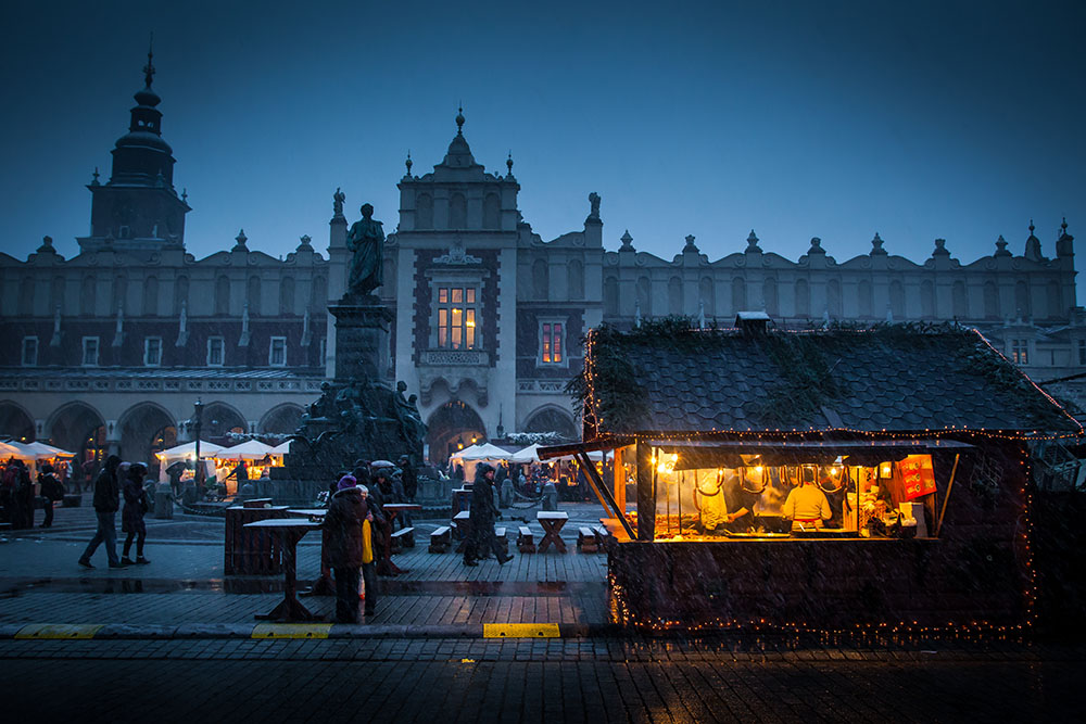 Krakow market square during the annual Christmas market. Photo: John Einar Sandvand